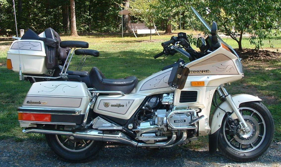 1986 Honda Goldwing 1200 SE i rcycle.com
